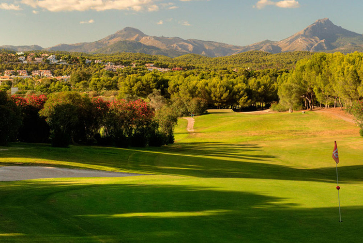 Buying property in south west Mallorca on Golf Santa Ponsa