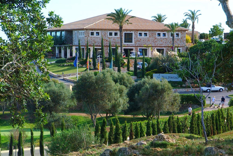 Properties to buy and rent close to Golf Vall dor