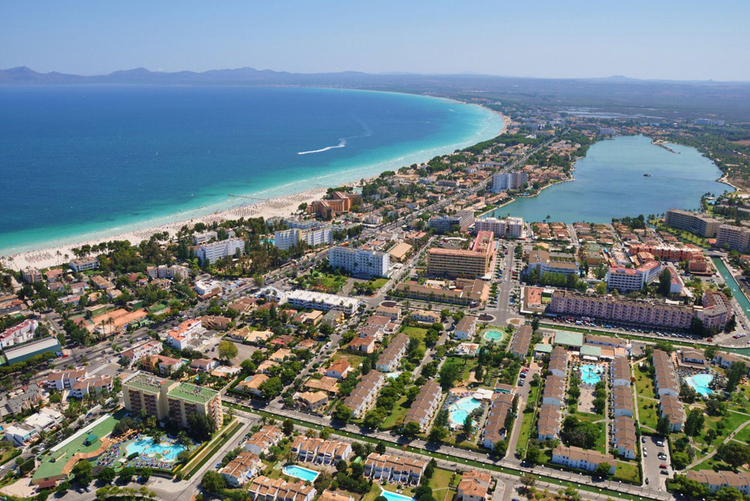 Real Estate Agents in Alcudia with real estate offers in Majorca