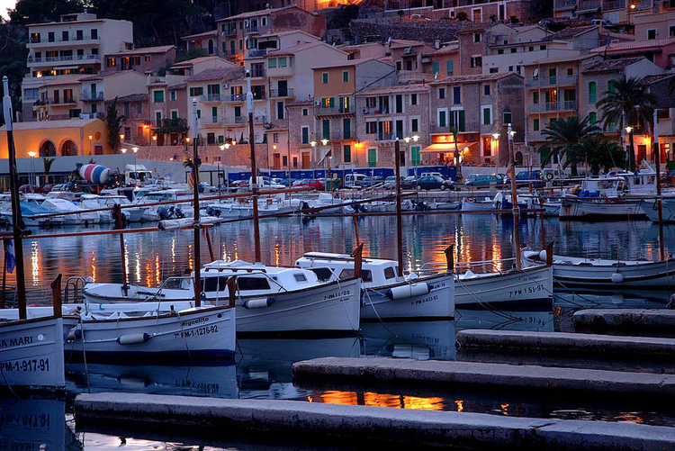 Port de Soller marina information and coordinate