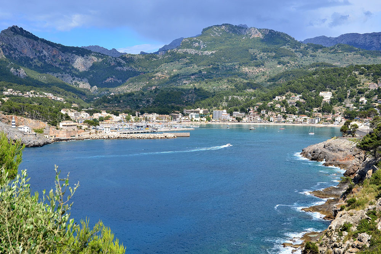 Port de Soller harbor panorama and Properties