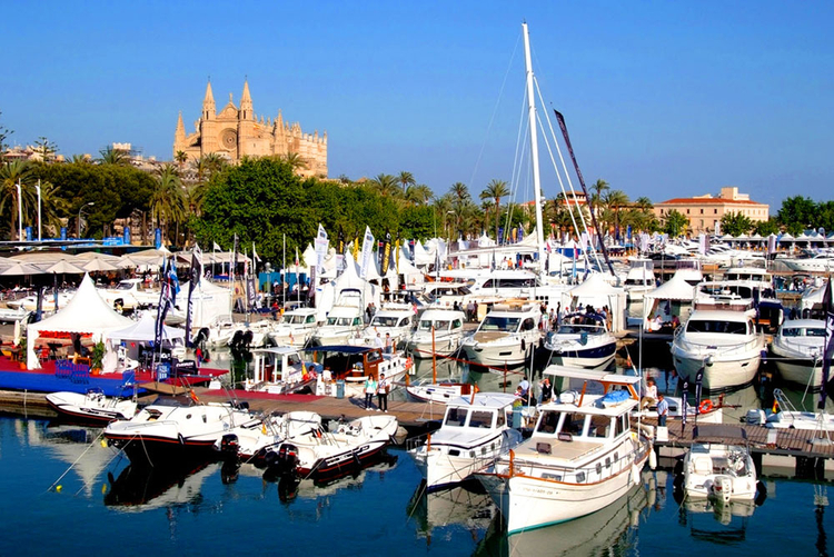 Port Palma Nova Majorca information and real estate