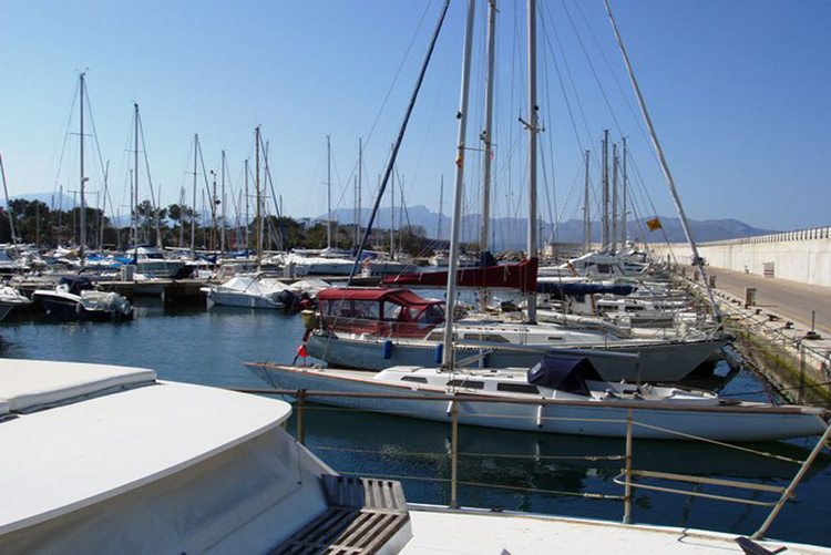 Port Es Mal Pas information to the marina and Yacht Club
