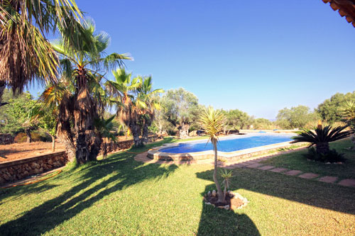 Campos property such as villas and plots for sale in Mallorca