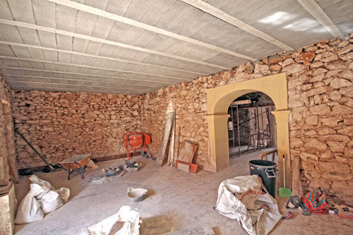Village house to renovate Santanyi, real estate agents in Mallorca
