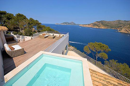 Mallorca Property with sea view or in first line to the southwest