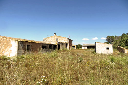 Country estates and villas with lots of land for sale in Mallorca