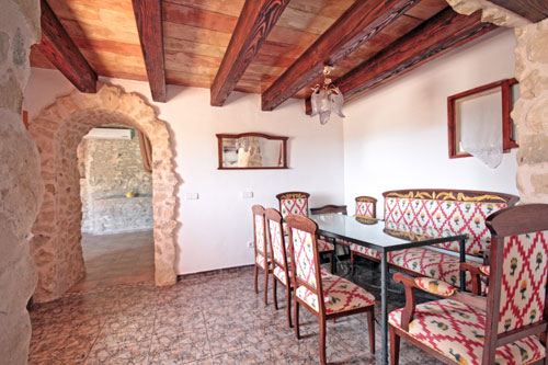 Finca for sale in Llucmajor on the Randa mountain with two guest houses