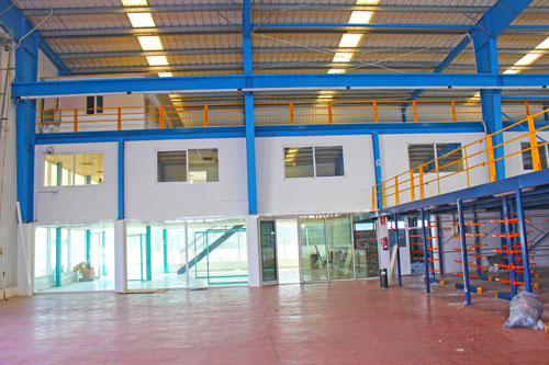 Llucmajor hall rent in the industrial area of ​​Son Noguera