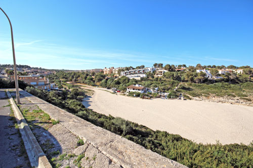 Mallorca Building plot with sea view on the beach of Cala Mandia