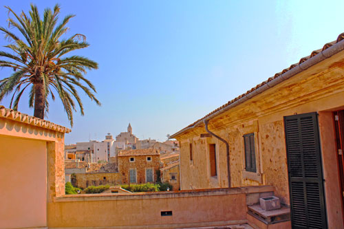 Mallorca Long Term Rentals, City Palace in Santanyi for long term rental