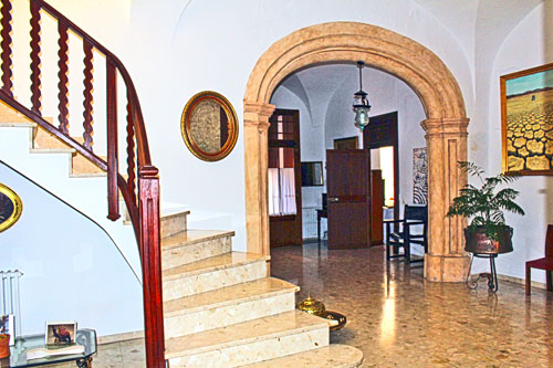 For sale Manacor mansion for private or commercial use in Mallorca