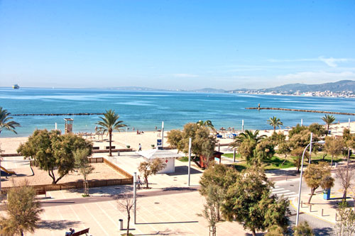 Palma de Mallorca Rentals of apartments and condos on the beach