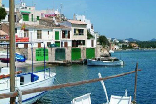 Porto Petro fisherman house on the seafront in the port for sale in Mallorca