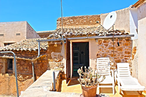 Santanyi village house with patio sale in Mallorca