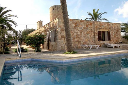 Santanyi town house purchase with restored windmill on Mallorca