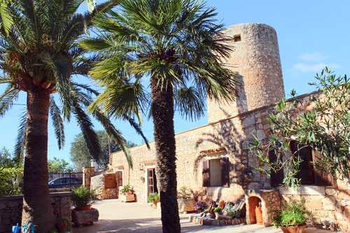 Santanyi windmill with pool and large garden for sale on the outskirts