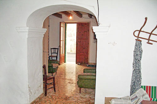 Village houses to renovate town house for sale in Mallorca There Llombards or Santanyi