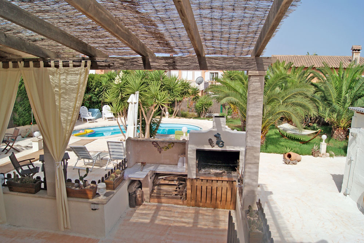 Home sales in Bahia Azul on real estate experts in Mallorca