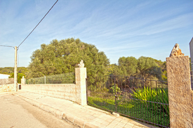 Building plot with access to the beach for sale in Cala Llombards