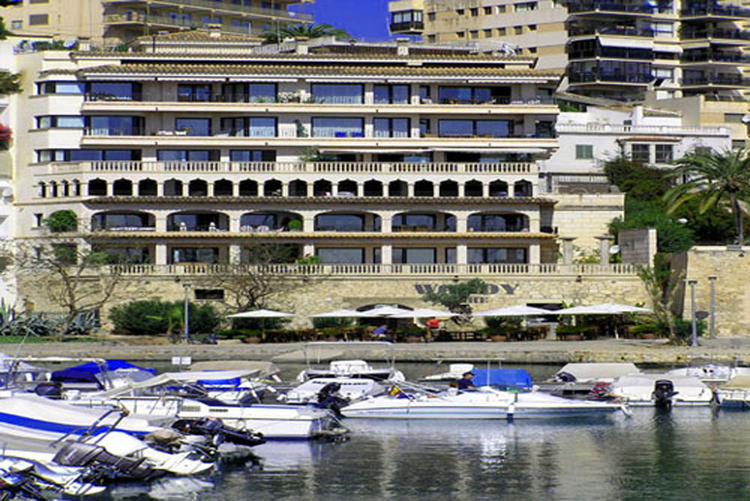 Restaurant for rent on the Paseo Maritimo in Palma de Mallorca