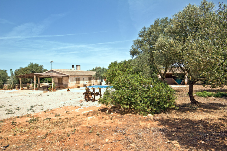 House for sale with country house and building site in Campos