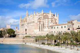 Palma de Mallorca property for sale or long term rentals in Spain