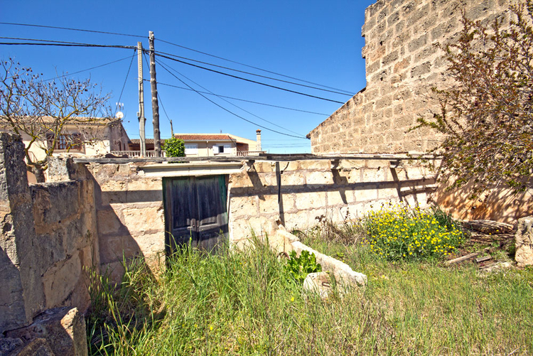 Building plot for a town house in Algaida for sale