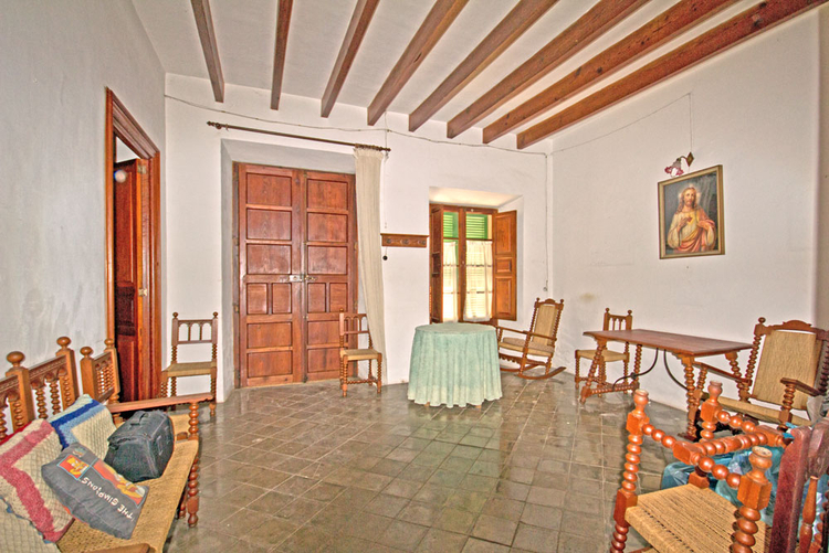 Townhouse for sale with garden in the market Santanyi