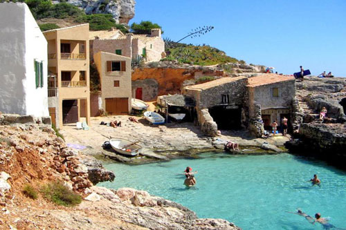 Cala Llombards estate agents with property such as houses, land, villas