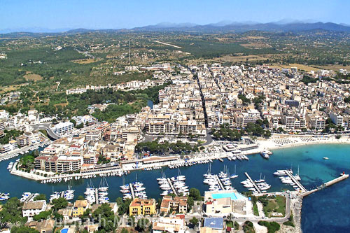 Buy real estate or long term rentals in Porto Cristo in eastern Mallorca