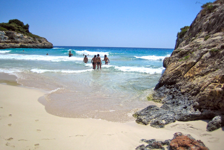 Cala Murada beach and attractions
