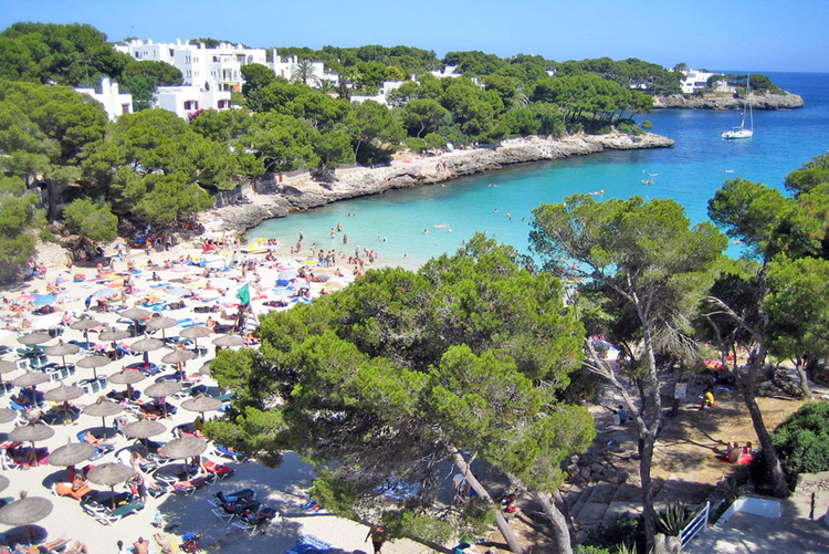 Cala Dor real estate agent with real estate offers in the southeast of Mallorca