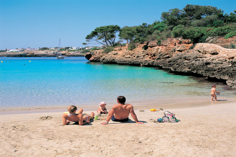 Information about Cala Serena beach in Cala Dor