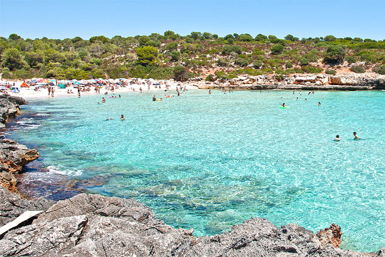 Beach Cala Varques Description and Tips