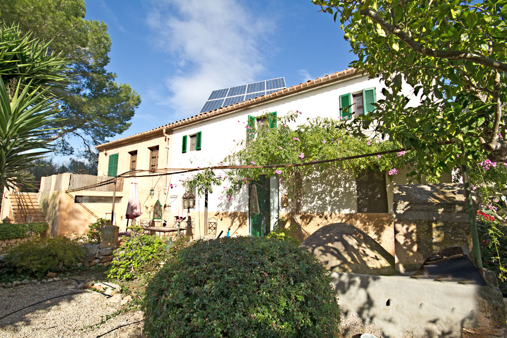 Authentic finca for sale in Porreres