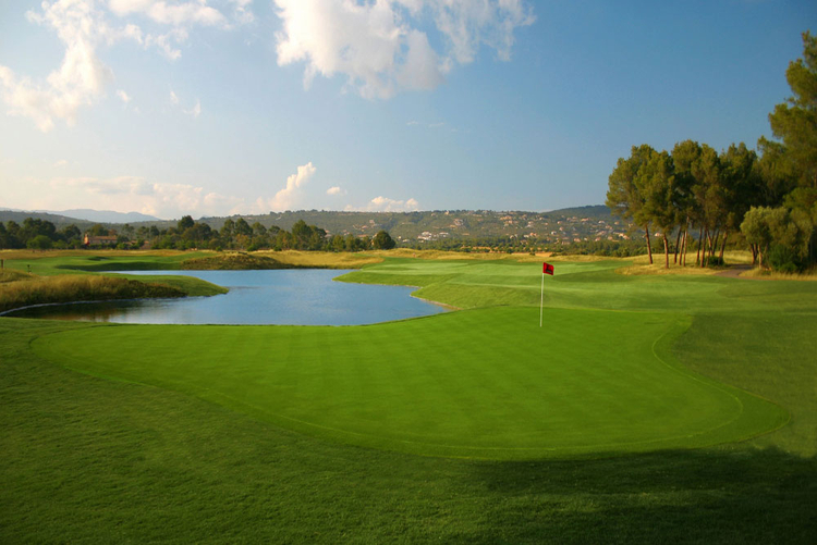 Golf Club Puntiro Properties Near to golf course
