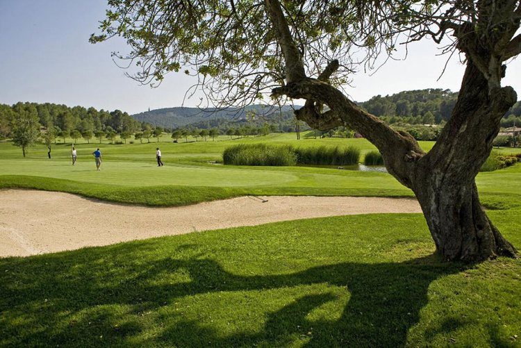 Canyamel real estate on the golf course for sale in North East of Mallorca