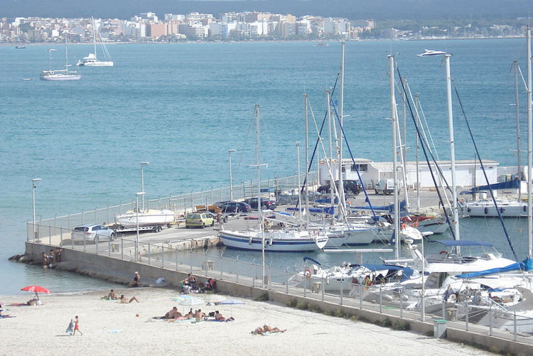 Buying real estate in the area to the marina Can Pastilla