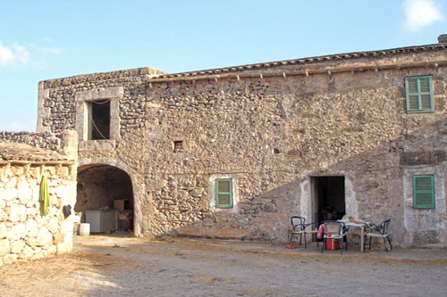 Mallorca Finca Property buy sell commercial real estate Son Carrio Offers