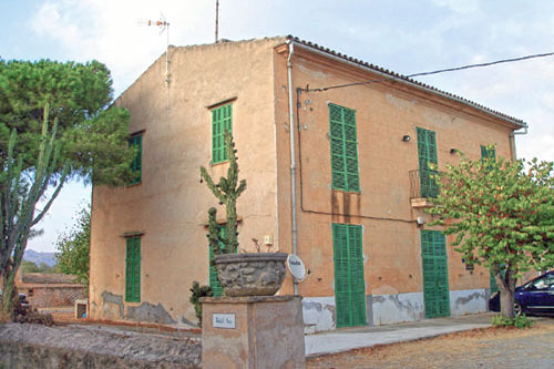 Finca for sale Mallorca Son Carrio Gutshos estate real estate agent luxury real