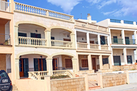 Sa Rapita townhouse for sale with two apartments on the seafront