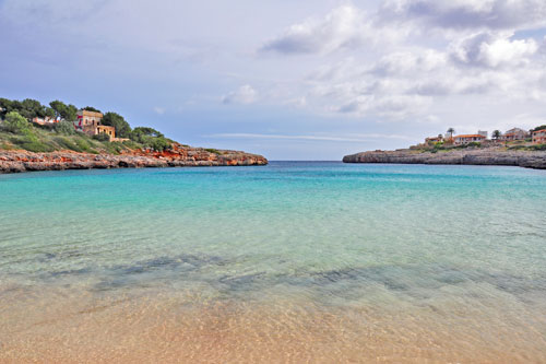 Porto Colom Long-term rentals of residential and commercial properties on