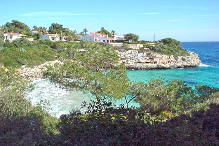 Mallorca Cala Murada description and do in the vicinity