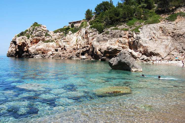 Cala Deia Mallorca information about the beach