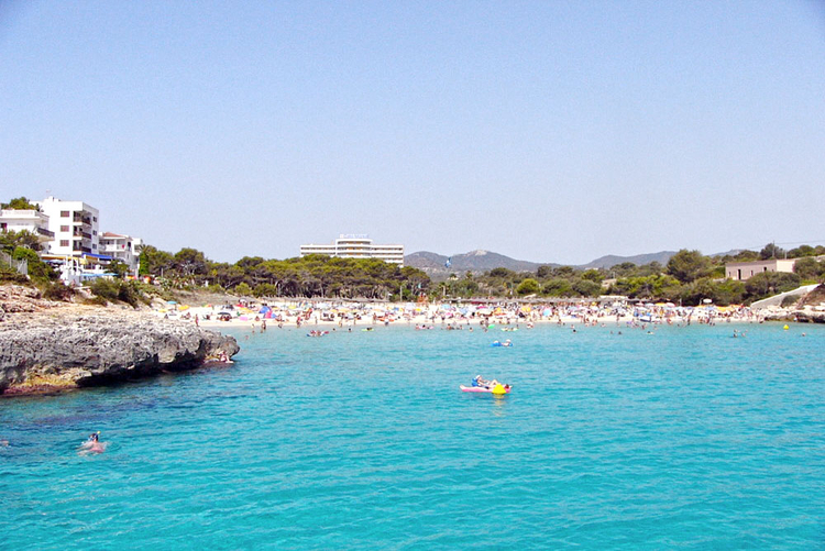 Cala Marsal, Porto Colom beach Description and Location