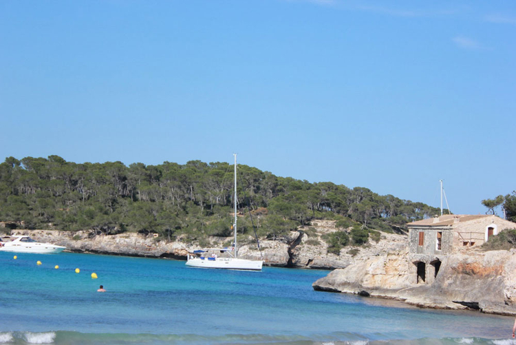 S'Amarador houses for sale through real estate agents in Cala Figuera