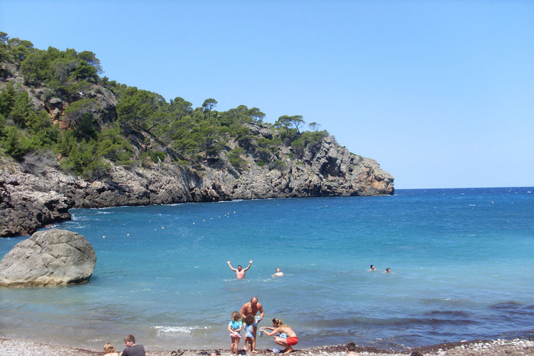 Beach Cala Deia beach reviews and Properties
