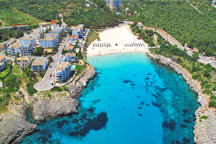 Cala Marcal beach information and tips